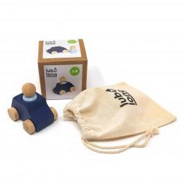 Lubulona Blaues Spielzeugauto mit grauer Holzfigur: Inhalt - Holzspielzeug Profi