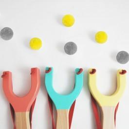Me&Mine Fadenspiel Katapult: Übersicht (Farbe nach Verfügbarkeit) - Holzspielzeug Profi